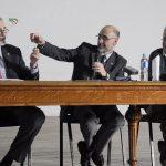 20/03/2014. Acto de asunción de Juan Carlos Reboreda y Luis Baraldo como Decano y Vicedecano para el período 2014-2018. Simbólicamente le entrego las llaves del decanato.