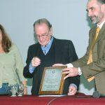"""Charla de Rolando García el 12/05/2006 titulada """"Hacia dónde van las universidades"""". Aprovechamos para darle un reconocimiento.  Fue el primero, pero no el último. Más sobre la relación con Rolando en: Desempeño > Gestión > Decano de Exactas – UBA 2006-2014 > Rolando"""
