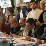 Sesión del Consejo Superior en el año 2006, con reclamos de los colegios universitarios.